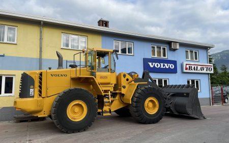 Volvo_L220E_01